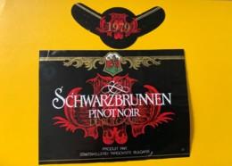 9747 - Schwarzbrunnen 1979 Pinot Noir De Bulgarie - Etiquettes