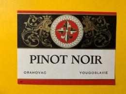 9758 - Pinot Noir Orahovac & Rekovac Yougoslavie 2 étiquettes - Etiquettes