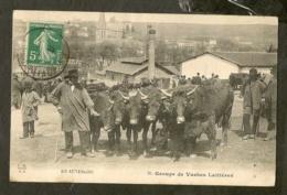 CP-CANTAL - En Auvergne - Groupe De Vaches Laitières - Non Classés