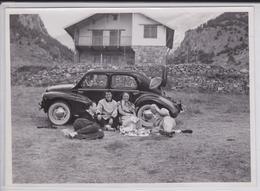 Saint-Etienne-de-Tinée (06 Alpes-Maritimes) - Photographie Automobile Voiture 4CV Renault Luxe 1953 - Pique-Nique - Automobiles