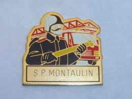 Pin's SAPEURS POMPIERS DE MONTAULIN - Pompiers