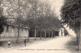 10028. CPA 18 CAMP D'AVORD. RUE DU MESS. LOGEMENT D'OFFICIER SUPERIEUR - Avord
