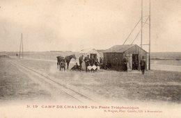 10036. CPA 51 CAMP DE CHALONS. UN POSTE TELEPHONIQUE - Châlons-sur-Marne