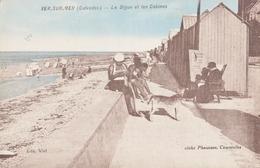 VER- SUR -MER  La Digue Et Les Cabines - France