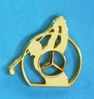 1 PIN'S //   ** MERCEDES-BENZ / GOLF ** . (Arthus Bertrand Paris) - Mercedes