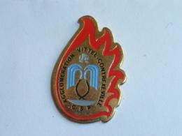 Pin's SAPEURS POMPIERS DE VITTEL CONTREXEVILLE - Pompiers