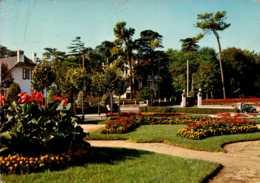 Dep 44 , Cpm PORNICHET , 43 , Les Jardins De L'Hotel De Ville (D09.4265) - Pornichet