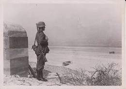 WACHT VORM KUSTENBUNKER FOTO DE PRESSE WW2 WWII WORLD WAR 2 WELTKRIEG Aleman Deutchland - War, Military