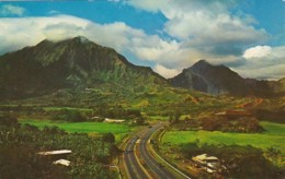 Hawaii Honolulu With Koolau Mountains In Background - Honolulu