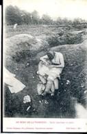 Guerre 14-18 Vie A L Arriere Poilu Cherchant Ses Poux - Guerra 1914-18
