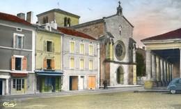 24 - Lisle - Eglise Et La Halle -2 CV - Autres Communes