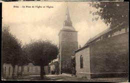 54 - BRIEY - La Place De L'Eglise Et L'Eglise - Briey