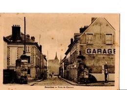 Dourdan - Porte De Chartres. Voir POMPE A ESSENCE. Edit. Pierre, Tabac. En Très Bon état. Pas Circulé. Voir SCAN - Dourdan