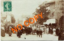 12. AVEYRON - CLAIRVAUX. Grande Cavalcade (1907). Devant Le Café Du Commerce. (Qualité Photo) - Andere Gemeenten