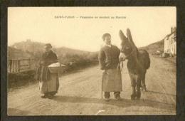 CP-St-FLOUR-CANTAL - Paysanne Se Rendant Au Marché - Saint Flour