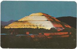 W700 Mexico - San Juan Teotihuacan - Preciosa Vista Nocturna De La Piramide Del Sol / Non Viaggiata - Messico