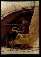 C571 ETHNICS FOLKLORE COSTUMES OF AFRICA - JEUNE AFRICAINE AFRICAN GIRL GIOVANE AFRICANA JUNGE AFRIKANERIN - Africa