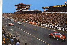 24 Heures Du Mans 1968  -  Passage Devant Les Tribunes - Porsche 911S - CP - Le Mans