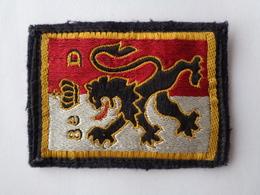 Ecusson Armée Française   8 ème Dragon - Escudos En Tela