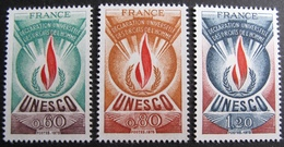 DF50500/123 - 1975 - UNESCO - N°43 à 45 NEUFS** - Service
