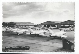 Base Aerienne De Tours  Avec Avions De Chasse - Photographie