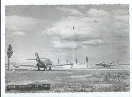 Base Aerienne De Tours  Avec Avions - Photographie