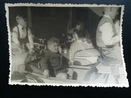 FOIRE DU MIDI DE BRUXELLES BELGIQUE ENFANTS SUR AUTOMOBILES MANÈGE LOT  DE 9 PHOTOS ORIGINALES + 2 CARTE - PHOTOS  1968 - Objets