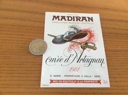 étiquette Vin 1981 «MADIRAN - Cuvée D'Artagnan - D. BARRÉ - VIELLA (32)» (épée, Chapeau) - Madiran