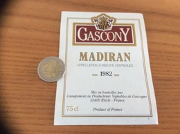 étiquette Vin 1982 «MADIRAN - GASCONY - Vignobles De Gascogne - Riscle (32)» - Madiran