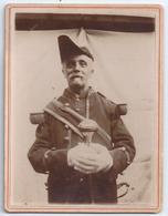 GARDE SUISSE D'ÉGLISE,Bedeau,en Habit De Cérémonie PHOTO Originale Sur Son Support Cartonné 1902 - Personnes Anonymes