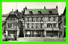 BOLBEC (76) - L'HÔTEL DE L'EUROPE - ANIMÉE DE VOITURES 2 CHEVAUX - ÉCRITE EN 1962 - CAP - - Bolbec