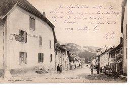 CRUSEILLES : Interrieur Du Village - France