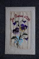 Carte Brodée Avec Une Pensée - Embroidered