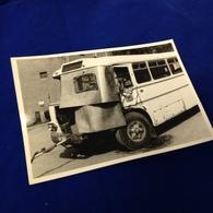 UNFALL-BUS - SCHWARZENBERG - FOTO H. MEYER - 1975 - Auto's