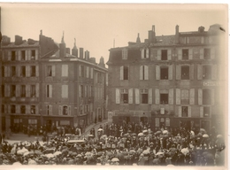 Photo 32 Auch Place D'Espagne Enterrement D'une Personnalité Vers 1900 - Auch