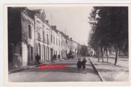 Rare Carte De Montaigu Place Du Champ De Foire   (voir Scan) - Montaigu