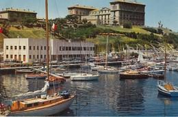 MARSEILLE: Le Petit Port De Plaisance De La Réserve Au Pied Du Pharo - Marseilles