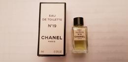 MINIATURE PARFUM  CHANEL  N°19  EDT 4ml  Inscription EDT Haut De La Boite - Miniatures Womens' Fragrances (in Box)