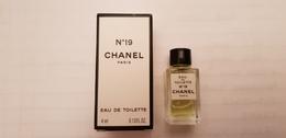 MINIATURE PARFUM  CHANEL  N°19  EDT 4ml  Inscription EDT Bas De La Boite - Miniatures Womens' Fragrances (in Box)