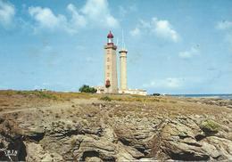 DPT 85 Ile De Noirmoutier Face à La Pointe De L'Herbaudière L'Ile Du Pilier Le Sémaphore Et Le Phare Cpsm 15 X 10,5 TBE - Noirmoutier