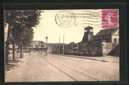 CPA Saint-Etienne, La Gare De Chateaucreux Et Les Puits Nevron, La Gare Et Grube - Saint Etienne