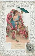 Voiture Avec Ange Et Fleurs - Bestickt