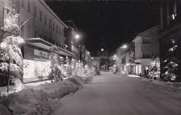 Sans Légende - Pontarlier - Grande Rue Ou Rue De La République - Vue De Nuit Sous La Neige - Illuminations Commerces - Pontarlier
