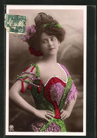 AK Portrait Hübsche Junge Frau Im Folkloristischem Kleid - Moda