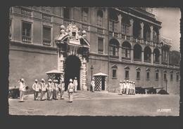 Monaco - La Relève De La Garde Devant Le Palais Princier - 1954 - Palais Princier
