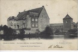 Aische-en-Refail.  -   Le Vieux Château.   La Cour D'honneur. - Eghezée