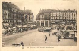 76 - DIEPPE - Les Arcades Et Le Marché - Dieppe