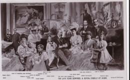 AS18 Royalty - The Late King Edward And Royal Family At Home - RPPC - Familles Royales