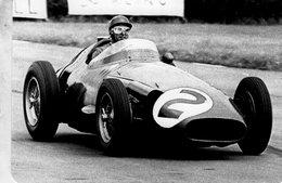 Grand Prix D'Angleterre 1957 -  Juan Manuel Fangio (Maserati)  -  Carte Postale Modern Miniature - Grand Prix / F1