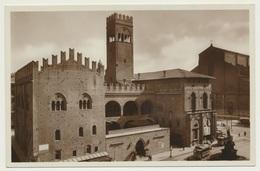 AK  Bologna Piazza Nettuno Palazzo Re Enzo - Bologna